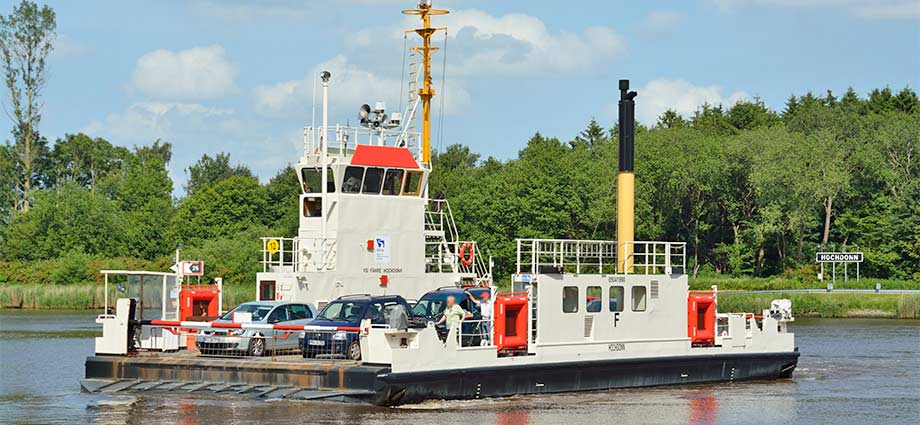 Fähre über den Nord-Ostsee-Kanal in Hochdonn