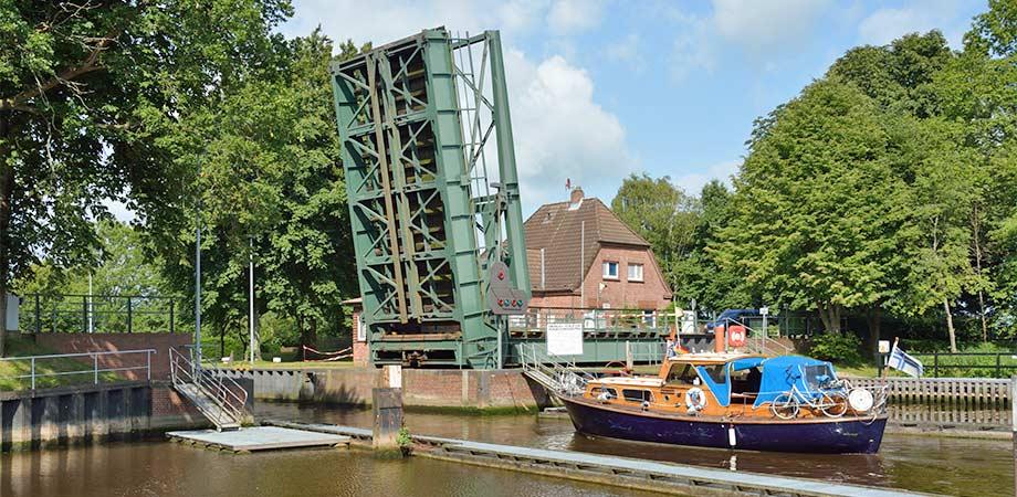 Die Schleuse am Gieselaukanal im Oldenbüttel