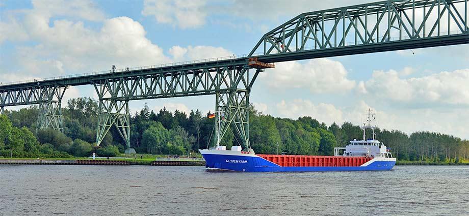 Die Hochbrücke Hochdonn